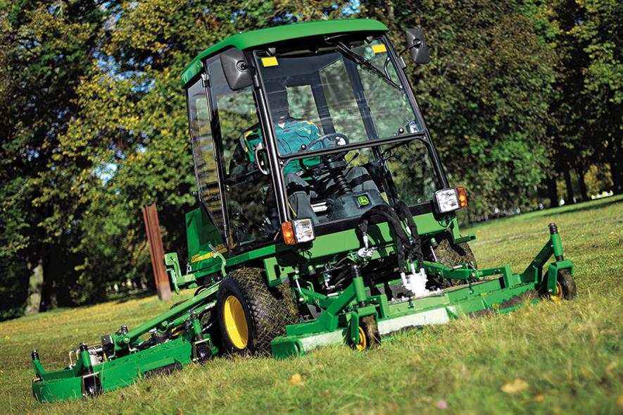 John Deere rotary mower - image: © Deere & Company