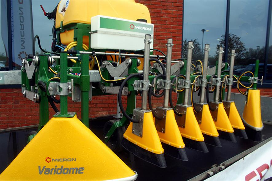 Micron Varidome: shields help keep spray off the crops - image: HW