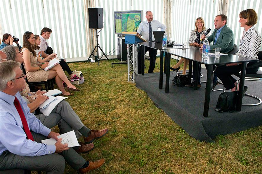 Fruit Focus: farming minister addresses fruit industry professionals