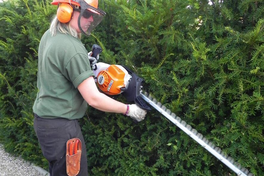 Stihl HS 87 R hedgetrimmer - image: HW