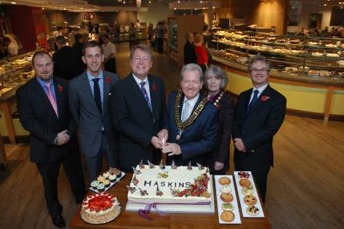 Carl Hadfield, Matt Hill,  Warren Haskins, Terry and Leslie Matthews and Julian Winfield open Haskin's restaurant - image: Haskins