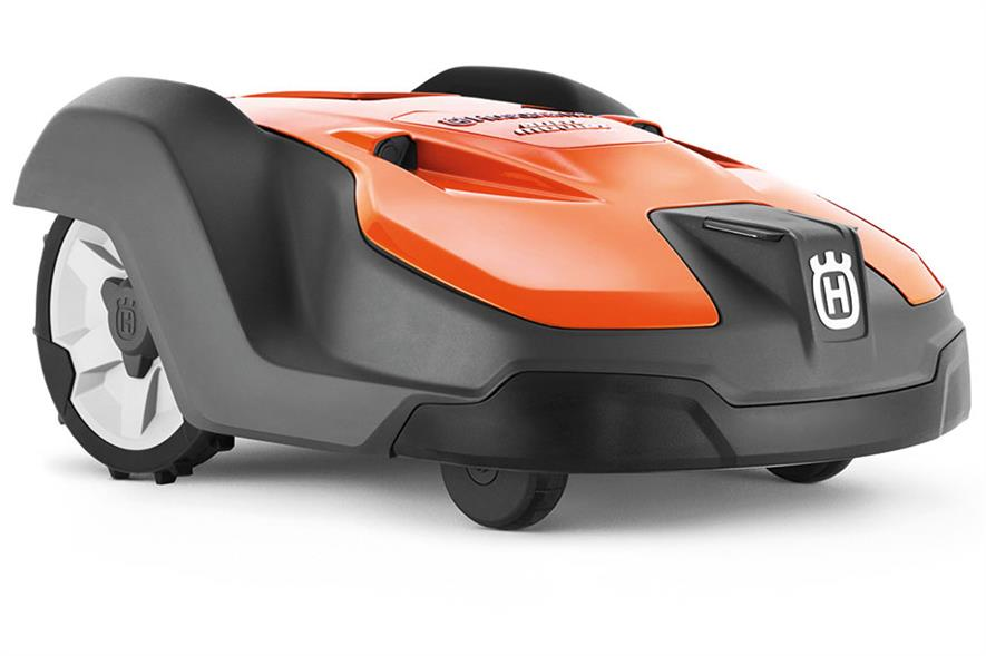 Automower 550: Husqvarna has sold 1.2 million mowers and has now launched its first model for commercial use - image: Husqvarna