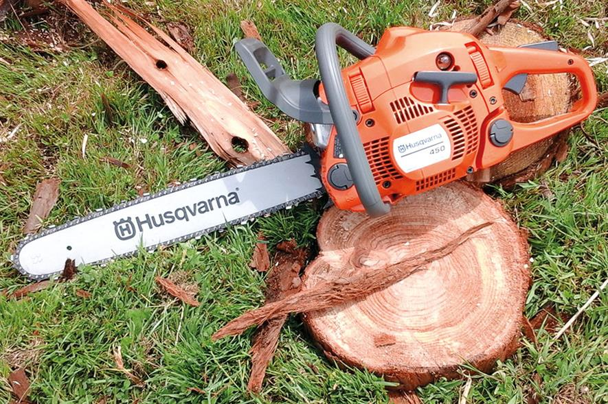 Husqvarna 450 chainsaw - image: HW
