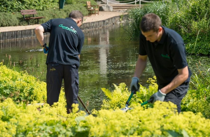 Countrywide Grounds Maintenance crews at work. Image: Countrywide Grounds Maintenance