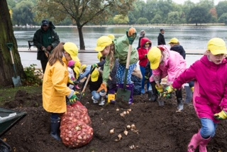 600 London schoolchildren got involved in the planting in Hyde Park