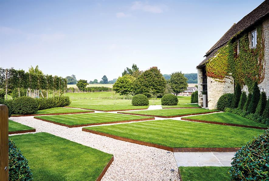 The Cotswold Garden Company's design for a private residence in Hatherop - image: BALI
