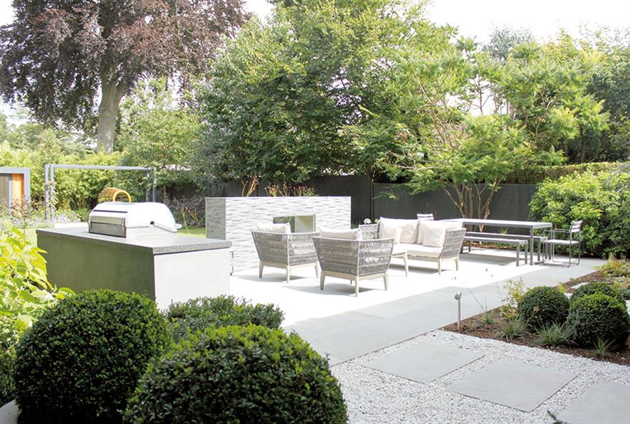 Landscaping Solutions' work for a private residence, London Borough of Richmond - image: BALI