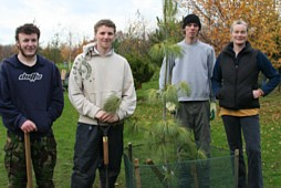 Students plant unusual trees - photo: Writtle College