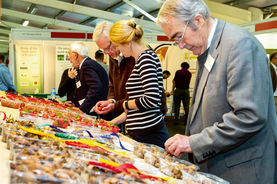 Visitors at the National Fruit Show 2014 - image: Marden Fruit Show Society