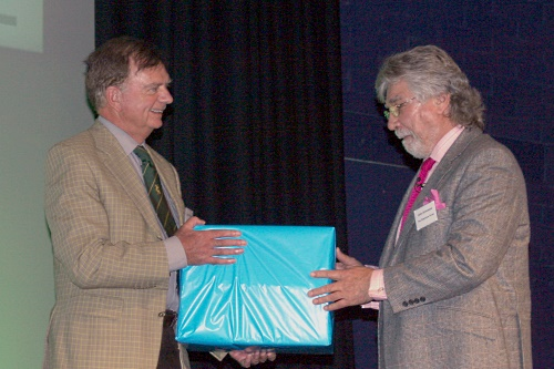 John O'Connor receives a gift from Oldershaw Group CEO John Grimwood - image:HW