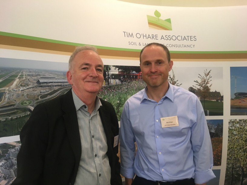 Dr Phil Askew (left) and Tim O'Hare at SoilsCon earlier today. Image: HW