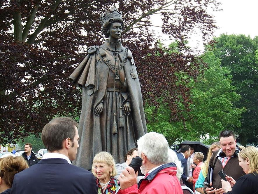 The statue of the Queen at Runnymede. Image: Gavin Jones