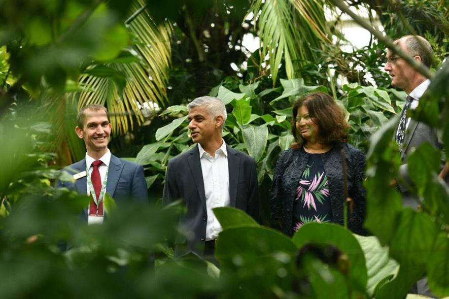 Khan (centre) with Rodrigues at Royal Botanic Gardens Kew. Image: Greater London Authority
