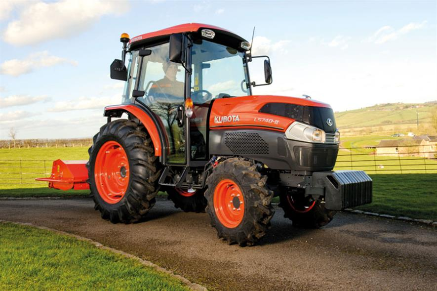 Grand L40-II Series: targeted at grounds-care, landscape, municipal and golf sectors - image: Kubota