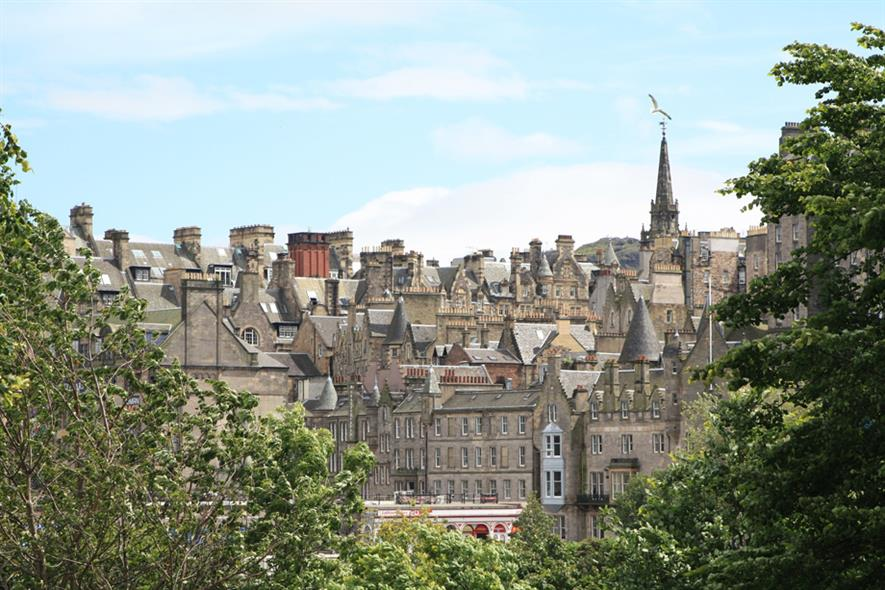 Edinburgh wants to let go of 2,000 council workers. Image: Pixabay