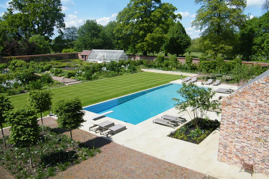 Domestic Garden Construction (cost £100K-£250K) - J & S Scapes Walled garden