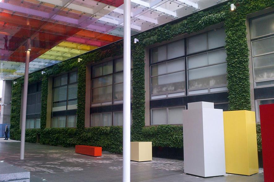 Best Innovation/Technology Used in a Landscape Scheme - Frosts Landscape Construction Frosts Vertical Module (FVM)