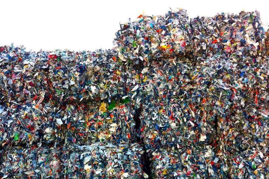 Plastic waste - image: J MacPherson (CC BY 2.0)