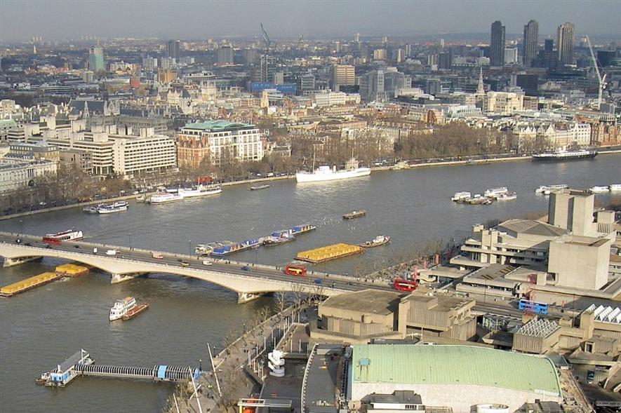 Barges to cut use of road network during Garden Bridge construction. Image: Pixabay