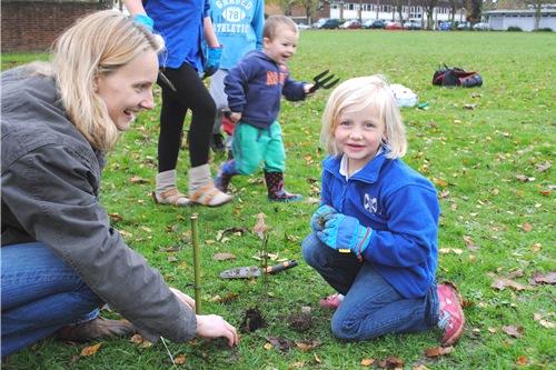 Tree planters - image:Woodland Trust