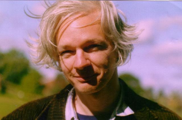 Julian Assange: diplomatic immunity