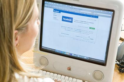 Marketing professionals: move towards social media