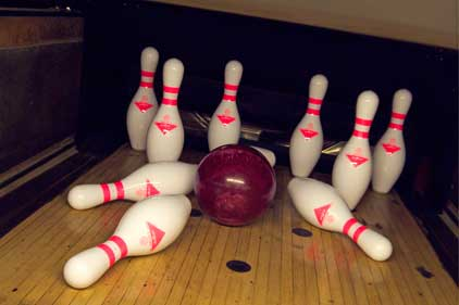 UK's bowling firms: to target professionals