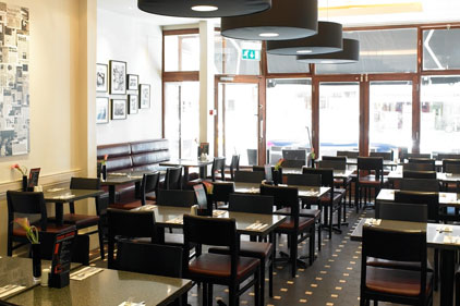 Harry Morgan: restaurant recruits agency