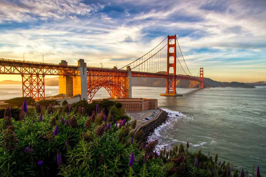 The Golden Gate Bridge features in one California's scenic drives. Photo: Agustin Rafael C. Reyes/Getty Images