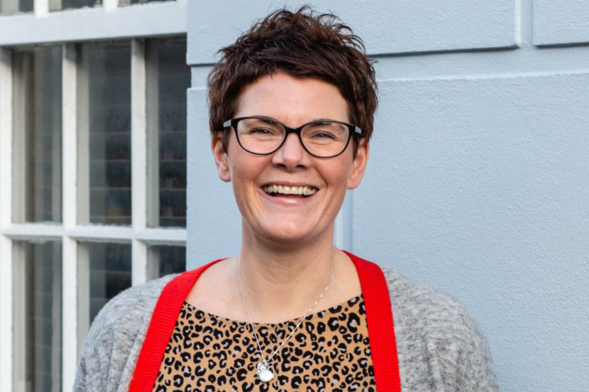Jo Spadaccino has 20 years' experience in healthcare agency and public sector health comms