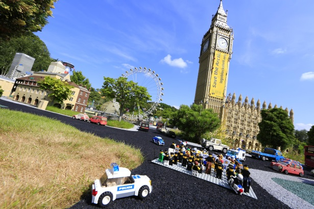 Greenpeace: Toy protesters at Legoland Windsor