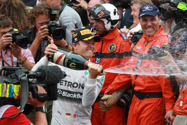 G.H.Mumm: official champagne of F1