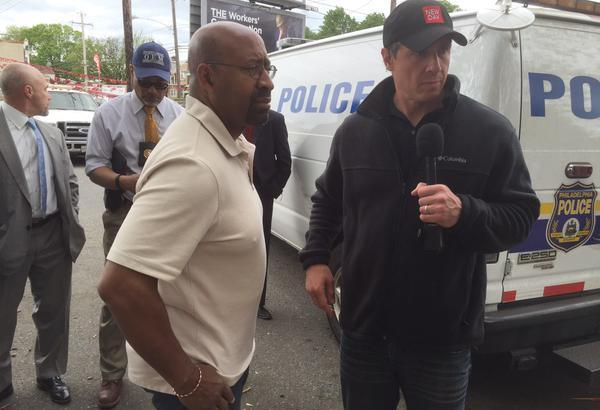 Philadelphia Mayor Michael Nutter prepares to go on-air with CNN host Chris Cuomo. (Image via twitter account of Jennifer Crandall, deputy press secretary for Nutter).