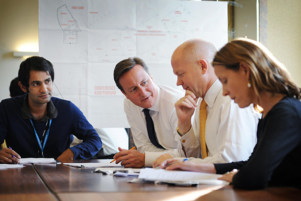 Gill (l) with Cameron and Foreign Secretary William Hague in 2011 (Credit: Stefan Rousseau/PA Wire)