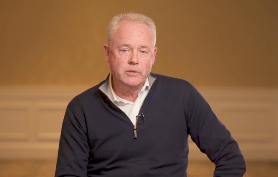 Starbucks chief executive Kevin Johnson: video apology