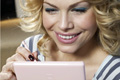 Online: women are frequent