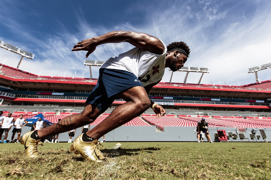 Clinton Lynch (RB Georgia Tech 2015-2018) participates in a speed/agility drill at Raymond James Stadium in Tampa.