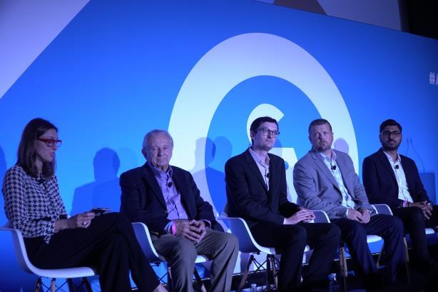 L-R: Moderator Spotted CEO Janet Comenos; Al Lieberman, NYU; Josh Duboff, Vanity Fair; Paul Evans, Marsh & McLennan; Ajay Kapoor, SharkNinja