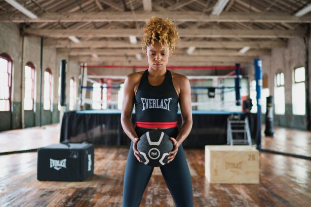 Model and personal trainer Liz Marie Chestang. (Image via Everlast).