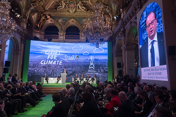 French president François Hollande addresses the climate change conference (Credit: Jacques Witt/Pool/ABACAPRESS.COM)