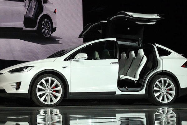 The Tesla Model X, which the carmaker has recalled over safety issues (Mariordo/Wikimedia Commons)
