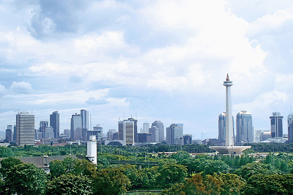 Photo of Jakarta's skyline taken by Gunawan Kartapranata