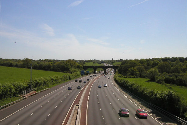 Higher PR pay on one side: The M25 at Gerrards Cross in Buckingham (Credit: Timo Newton-Syms via Flickr)