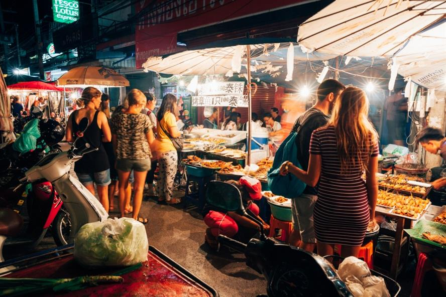 Tourists at a night market in Chiang Mai (Shutterstock)