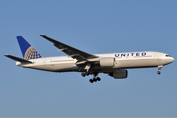 (Image via Wikimedia commons, by Jules Meulemans - http://www.airliners.net/photo/United-Airlines/Boeing-777-222/1875952/L/, GFDL, https://commons.wikimedia.org/w/index.php?curid=17595855)