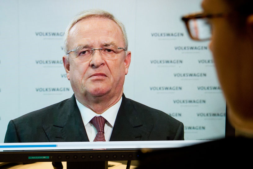 So sorry: Former VW CEO Martin Winterkorn released a formal apology on YouTube just before stepping down