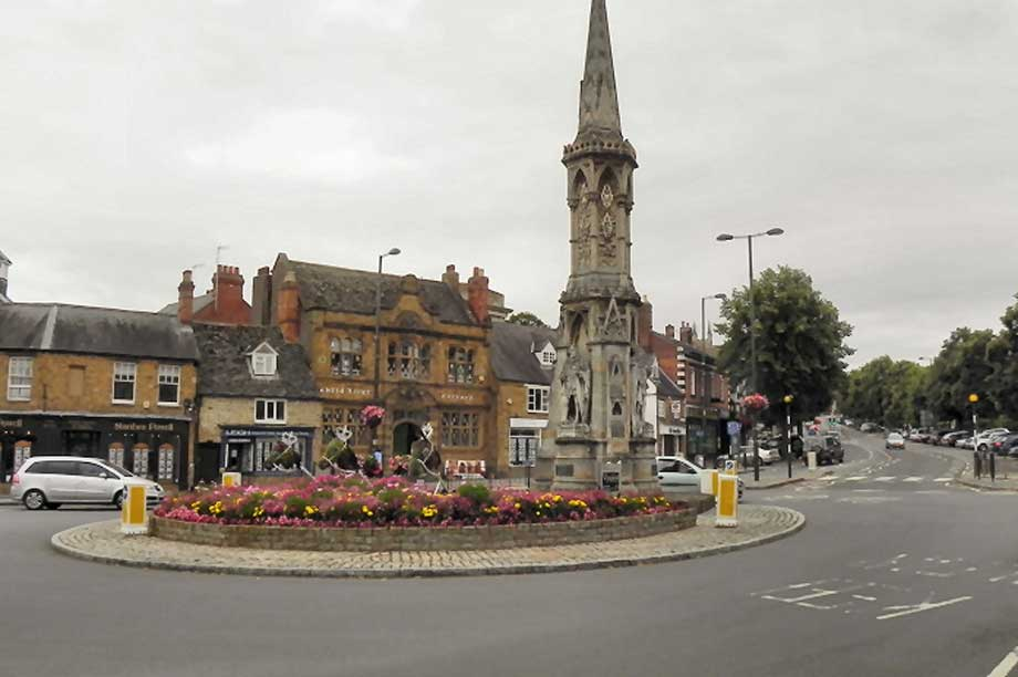 Banbury Cross cc-by-sa/2.0 - © David Dixon - geograph.org.uk/p/2031041