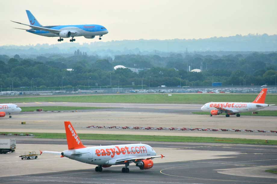 Gatwick Airport (pic: Mike McBey, Flickr, CC BY 2.0)