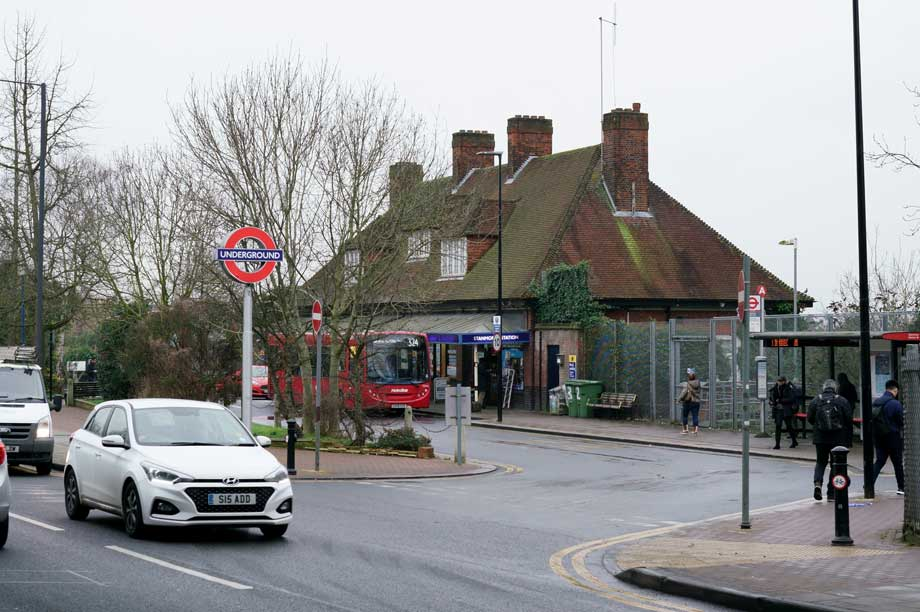 Stanmore Station cc-by-sa/2.0 - © Peter Trimming - geograph.org.uk/p/6375563
